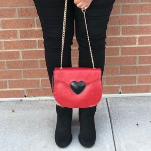 Adorable Shoulder Bag With Heart Shaped Design